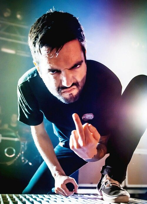 Jeremy McKinnon He always makes that face and I instantly think of Grumpy Cat...