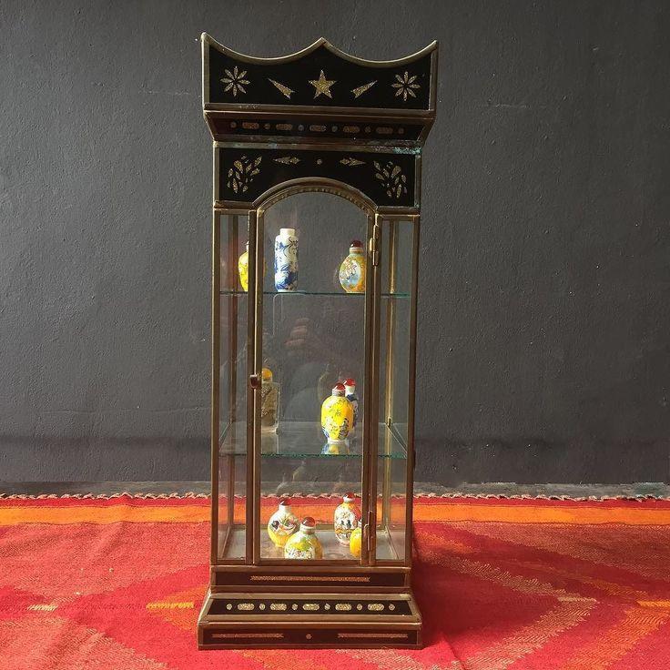 1920'ler Kapalıçarşı Ermeni takı ustaların elinden çıkma minyatür/ takı sergileme dolabı. 22cmx22cm  yükseklik 65cm #antique #brass #handcrafted #jewelry #case