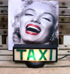 Luminoso de Taxi antigo.