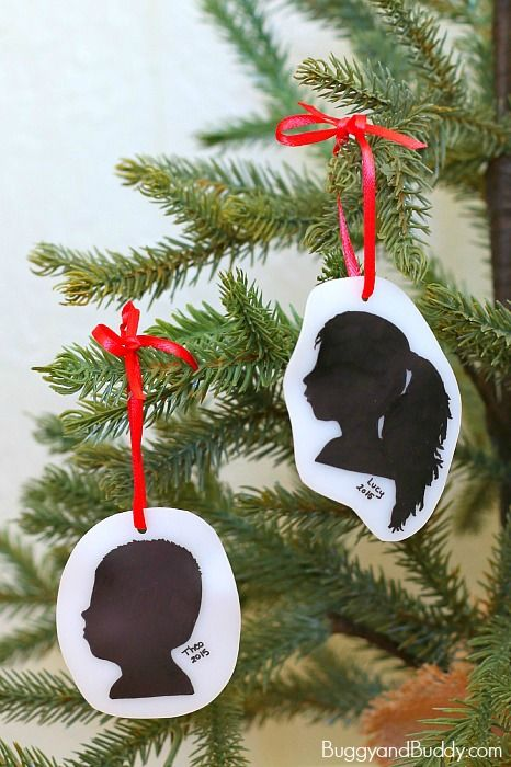 DIY Silhouette Christmas Ornament Craft: Such a simple and special keepsake! ~ BuggyandBuddy.com
