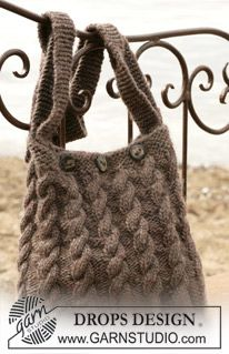 Bag with cable pattern in Eskimo (DROPS 98-55) Drops Patterns are usually free!!  check out their site.