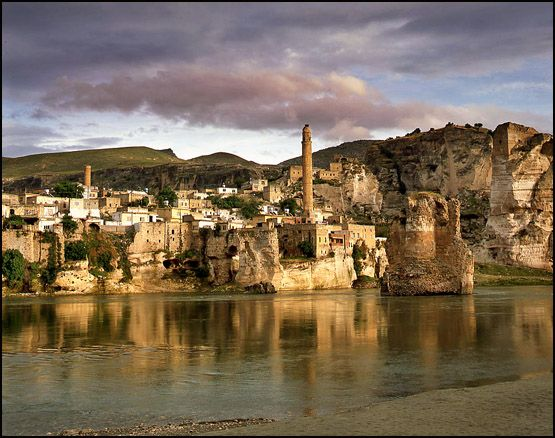 Ancient city of Hasankeyf, Batman, Turkey     Hasankeyf is an ancient city, and has been identified with the Ilanṣura of the Mari Tablet (c. 1800 BC)