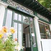 Restaurants, cafétérias, salons de thé et guinguettes dans les jardins parisiens