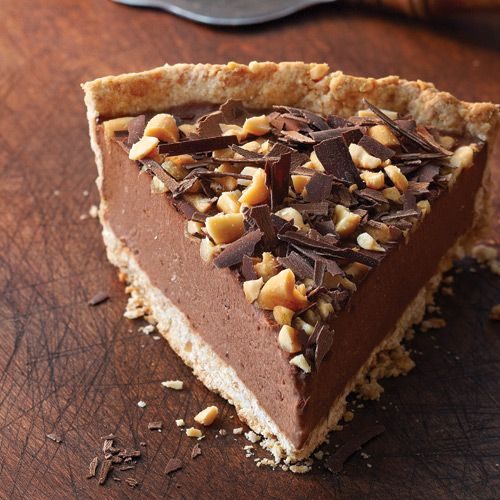 Chocolate Banana Freezer Pie - Clean Eating style. Sweetened only by the bananas themselves, the thick custard-like filling sits in a peanutty crust for a cold indulgence on a hot night