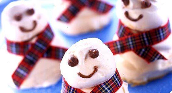Christmas meringue snowmen recipe (163 calories per portion) from www.eggrecipes.co.uk