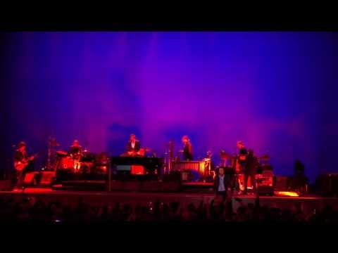 June 34, 2017 - The Greek Theatre, Berkeley CA (review: Nick Cave and the Bad Seeds Continue to Redefine Live Performance)