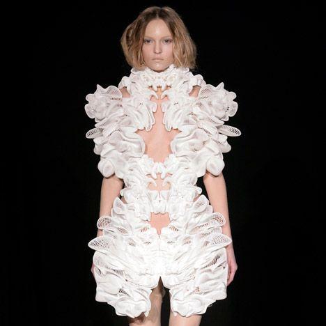 Мода будущего. Платье сделанное на 3D принтере.