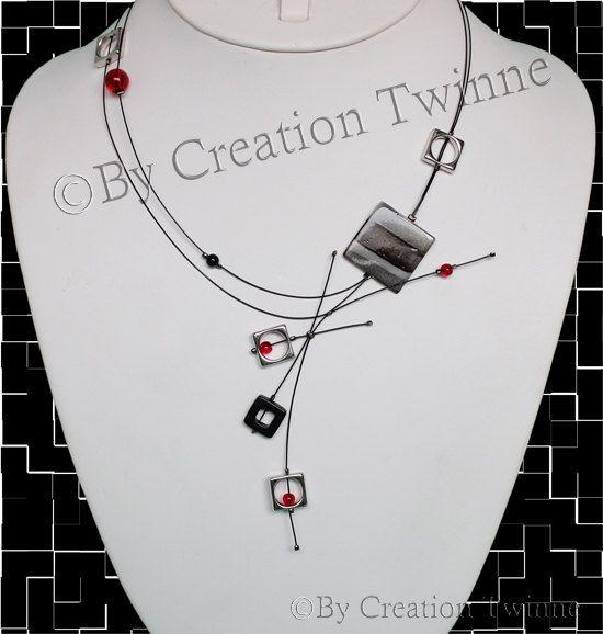 collier noir rouge, collier moderne, bijoux contemporains, bijoux funky, cadeau de jours des mères, cadeau de demoiselles d'honneur, bijoux ...