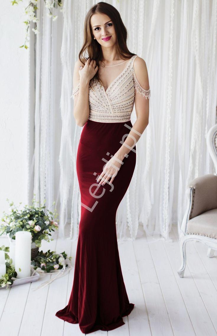 Przepiękna suknia wieczorowa z górą beżowo złotą wyszywaną perełkami, dół w kolorze bordo. Suknia wysadzana na gorsecie i na ramionach perełkami i koralikami.  suknia w stylu gwiazd Hollywood. Absolutny unikat !!! Beautiful evening dress with beige gold embroidered beads, bottom in burgundy color. Very impressive and eye-catching Hollywood style dress. Absolute Unique !!! #suknia #sukienka #długasuknia #moda #styl #sukniawieczorowa #suknianastudniówkę #dress #eveingdress #dresses