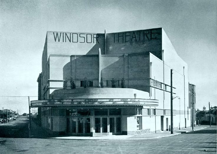 """HOYT'S WINDSOR THEATRE, Albert & Peel streets, Windsor, Vic. Date April, or possibly May 1936. The theatre opened 17 April 1936. Films showing are """"Metropolitan"""" and """"The Last Days of Pompeii"""""""