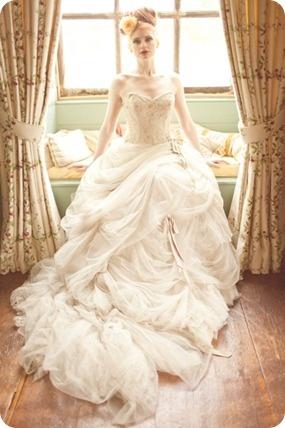And again.... Antoniette by Ian Stuart ~ My dream wedding dress <3