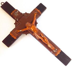 Antiquité. Collection. Art religieux Crucifix en bois et fonte L