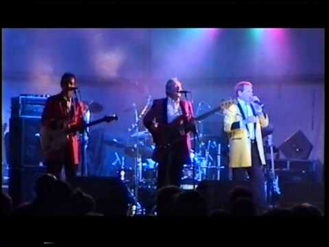 Showaddywaddy - Tell Laura I Love Her - YouTube