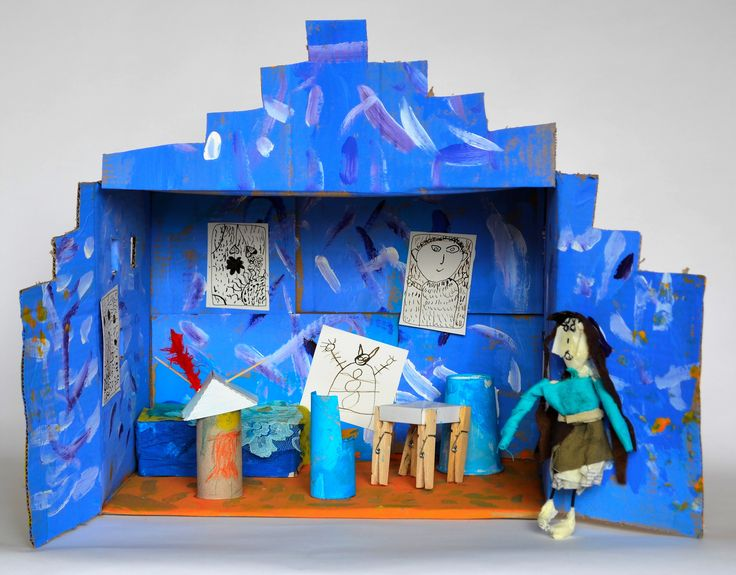 Art wit Atelier DeLuxe: The house of Vincent van Gogh made from cardboard. Artproject 2015-2016. This girl made a female Vincent ;-)