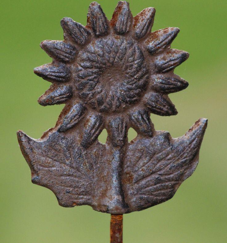 SV141 gietijzeren zonnebloem op steker van 80cm, leuk als decoratie in de tuin