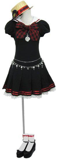 ストローカンカン帽 (ナチュラル/赤) 透かし彫り柄懐中時計 (シルバー) くま紋章セーラーワンピ (黒/赤チェック) モチーフ付パールチェーンベルト (白) リボンいっぱいソックス (白/赤) ネコパンダ厚底ストラップシューズ (黒)