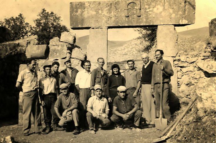 ΜΑΪΟΣ 1965.ΕΡΓΑΣΙΕΣ ΣΥΝΤΗΡΗΣΗΣ ΣΤΟ ΝΑΟ ΤΗΣ ΠΑΝΑΓΙΑΣ ΜΑΥΡΟΜΑΝΤΗΛΑΣ