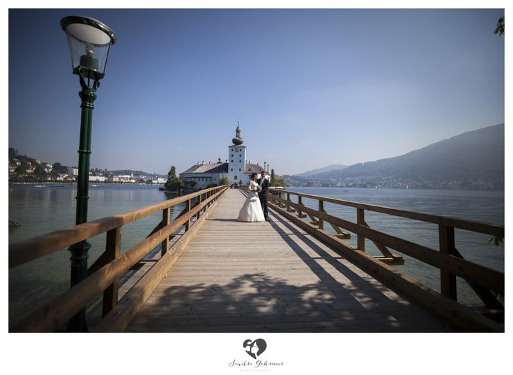 #outdoor #outdoorlocation #location #swan #schwan #schwaene #photography #fotografie #lake #traunsee #traunlake #reflection #schlossorth #seehotel #gmunden #linz #wels #steyr #groom #bride #braut #braeutigam