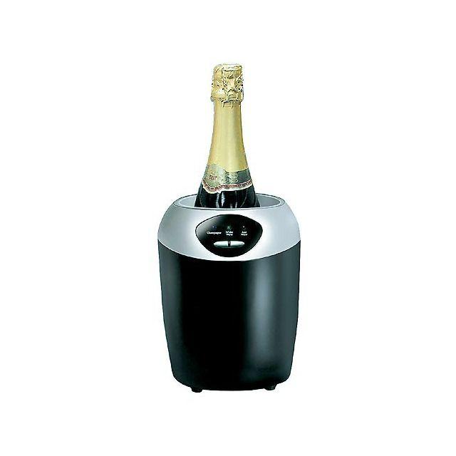 Enfriador de botellas que dispone de 3 indicadores LED de temperatura, uno para cada tipo de vino: 8º, 12º y 16º C Una vez seleccionada la temperatura, se iluminará el LED y empezará a enfriar la botella.
