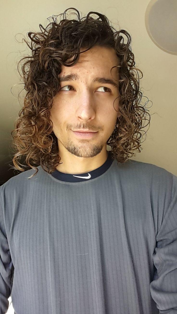 1000 ideas about undercut curly hair on pinterest curly undercut undercut and undercut mohawk. Black Bedroom Furniture Sets. Home Design Ideas