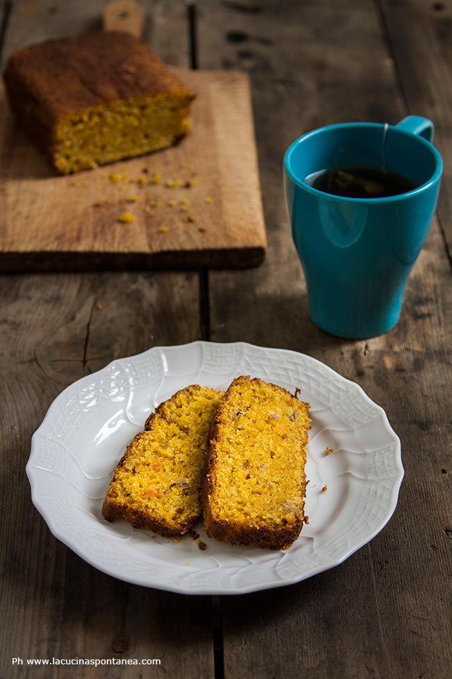 La torta camilla vegana è un dolce da colazione che si inspira alle merendine camille. E' un dolce con carote e mandorle non prevede l'uso di latticini e uova.