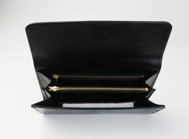 Our shagreen clutch. // Notre pochette de soirée en galuchat. Available on // Disponible sur : http://www.galerie-galuchat.com/boutique/pochette-soiree-galerie-galuchat