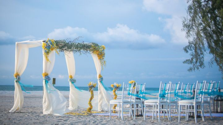 Read about the indoor and outdoor wedding venues available at Four Seasons Resort Nevis, providing a range of flexible and elegant rooms for any reception or ceremony.