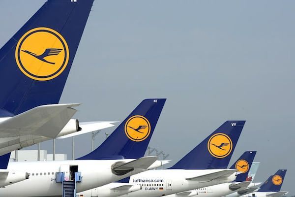 Lufthansa thinks big with seven-foot beds for business fliers: Deutsche Lufthansa AG will offer business-class seats that stretch to 2.2…