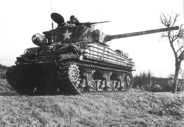 76mm Sherman from the 25 Battalion, 14 armored div. #worldwar2 #tanks