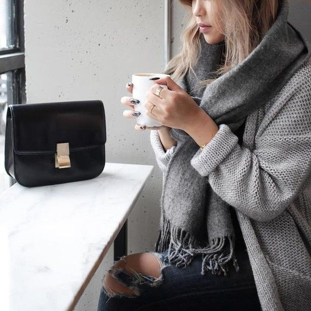 Cozy weekend attire via Chloe Zhang