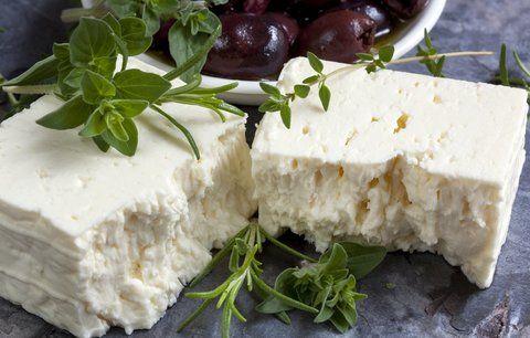 Balkánský sýr si uděláte za pár korun doma.