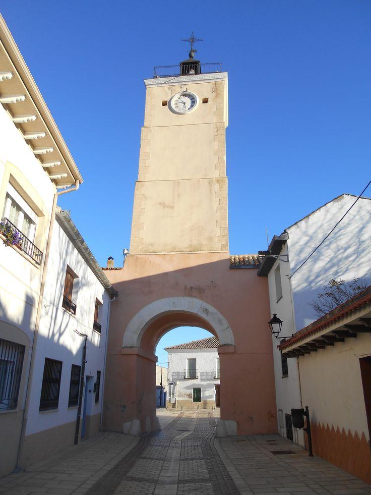 Final de Calle Mayor y Torre del Reloj