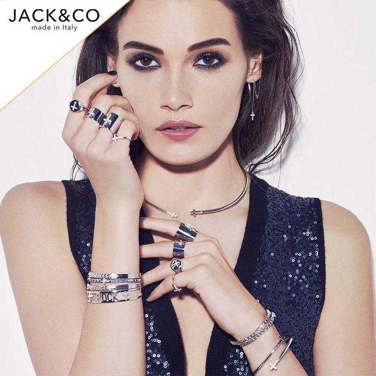 Wear your favourite #jewels, all together!  #gioiapura #fashion #jack&co