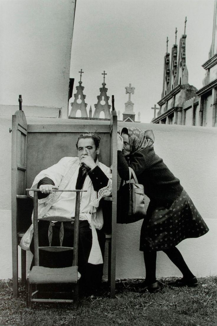 La Confesión, Saavedra. 1980, by Cristina García Rodero.