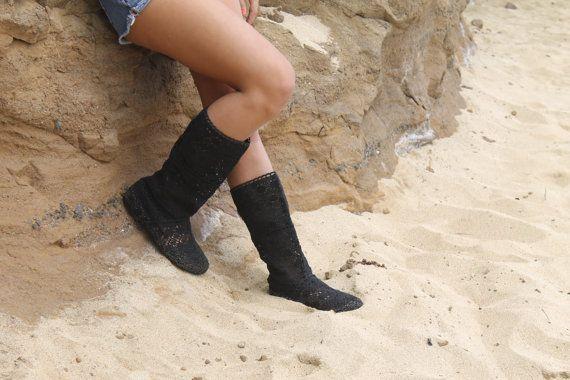 Estate crochet stivali a metà polpaccio nero di Shoeleis su Etsy