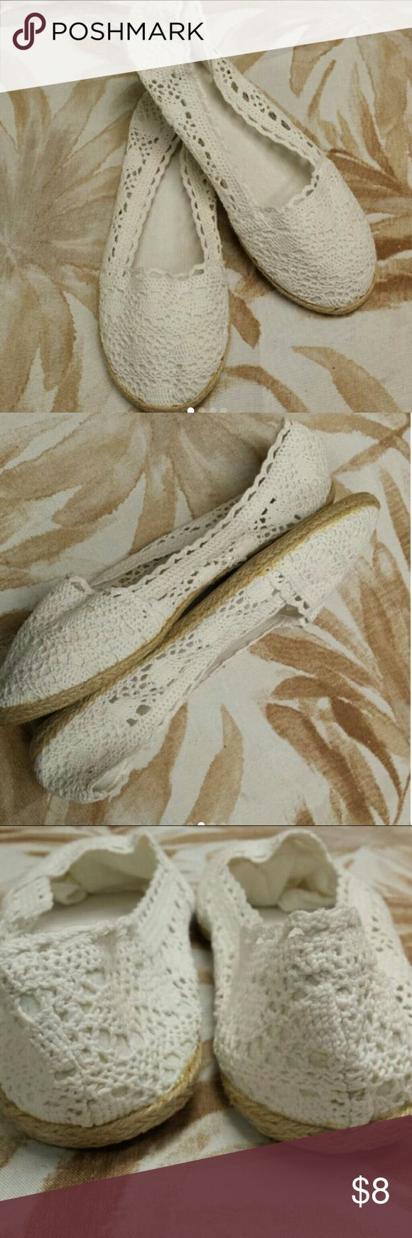 Tendance Chaussures 2017/ 2018 :    Description   NWOB Crochet Flats Sweet and so femme. Thesr flats are sized large. I wear  a 9 and thesr a big on me so the are more of a 9.5 – 10.  ☆ Comes from smoke-free and pet-free home. ☆ Bundle for discount. ☆ Offers  welcome. Shoes Flats & Lo... - #Chausseurs https://madame.tn/fashion/chausseurs/tendance-chaussures-2017-2018-nwob-crochet-flats-sweet-and-so-femme-thesr-flats-are-sized-large-i-wear-a-9/