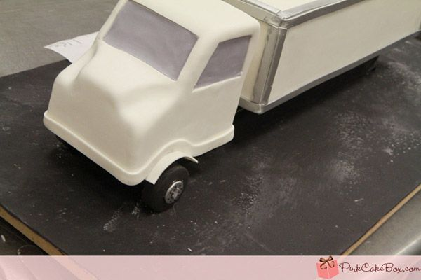 Keep Truckin': How to Assemble an 18 Wheeler Cake | CulinaryChat