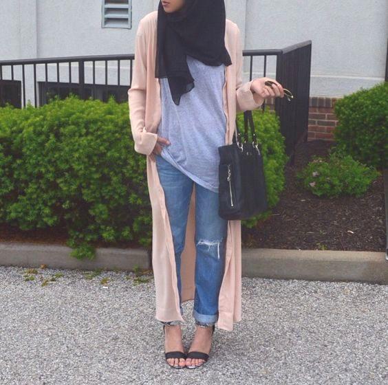 long pink cardigan hijab style- Hijab spring street fashion http://www.justtrendygirls.com/hijab-spring-street-fashion/