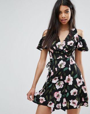 Платье с запахом и цветочным принтом Boohoo