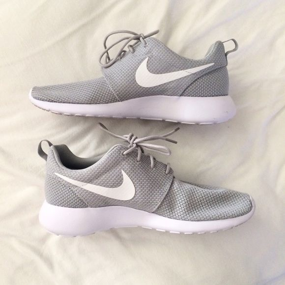 $62️️ Nike Roshe -Wolf Grey & White MENS Nike roshes! Worn once by my boyfriend for literally less than an hour. Perfect condition other than the slight dirty soles! Just trying to get my money back! Cheaper thru pypl + posh shipping. No lowballers please. No trades. These are practically new.. Men's size 8 is equivalent to womens 9.5 according to the Nike website. Nike Shoes Athletic Shoes