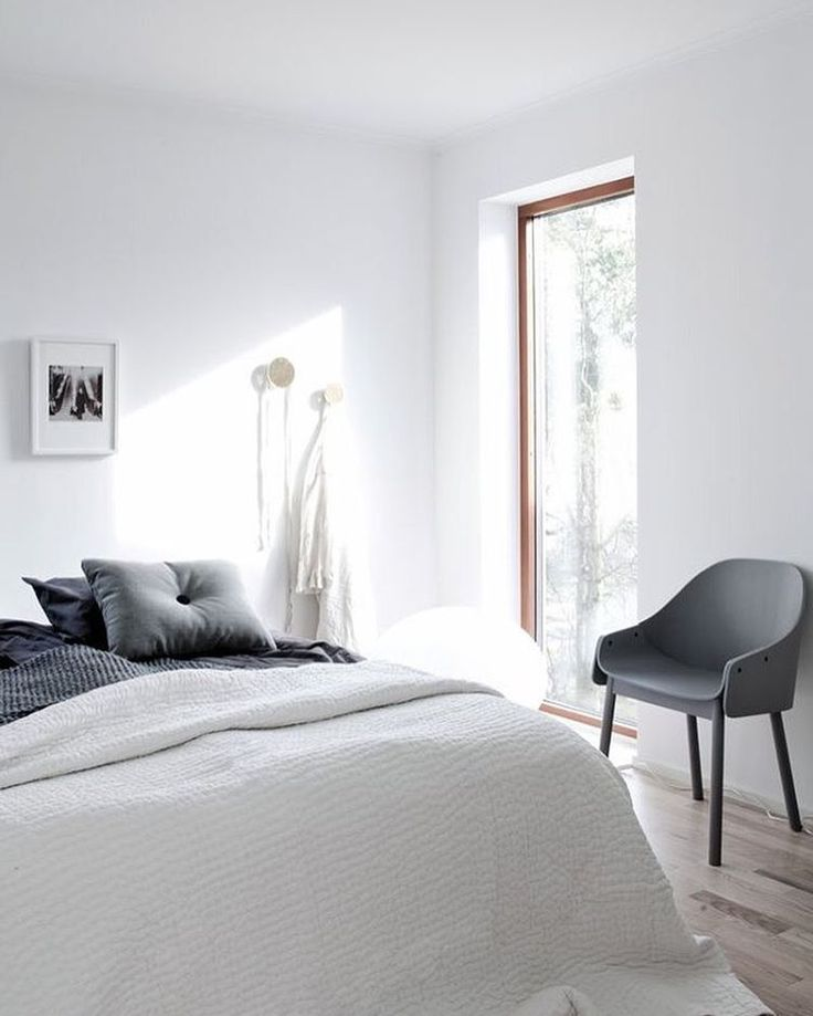 Beautiful bedroom with lots of natural light! #love . Good night all! . Image via nordicdays.blogspot.co.nz #inspiration