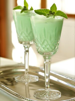 When Irish Eyes Are Smiling Cocktail: 1 oz. Irish Whiskey, 1/4 oz. Creme de menthe, 2 oz. Cream. Start by filling your shaker with ice. Then add 1 ounce of Irish whiskey, 1/4 oz Creme de Menthe for a mint taste and 2 ounces of cream for that smooth texture. Shake well.