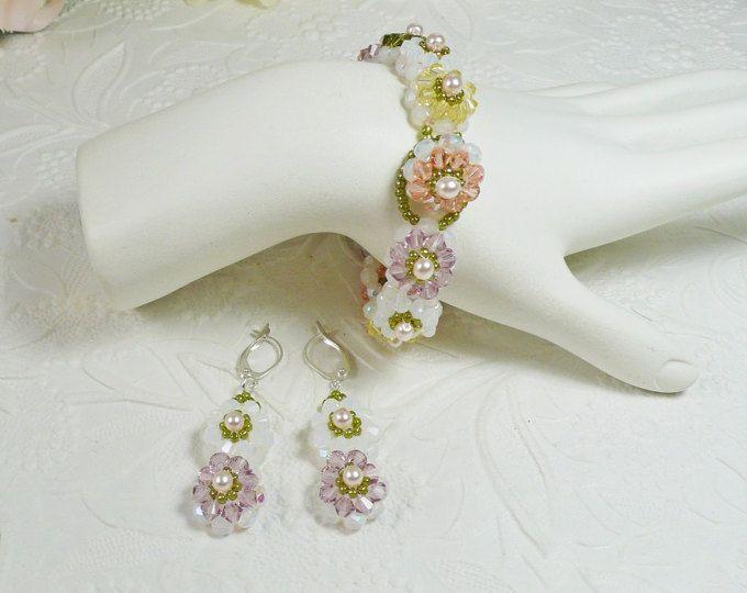 Tessuto Bracciale e orecchini Set impreziosito di perle e Swarovski cristallo bianco Opal