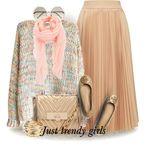 chunky sweater with maxi skirt,Comfortable trendy outfits for girls http://www.justtrendygirls.com/comfortable-trendy-outfits-for-girls/
