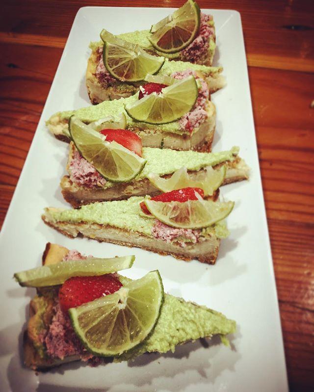 Made #vegan #glutenfree baked cheesecake....my god it tastes mad