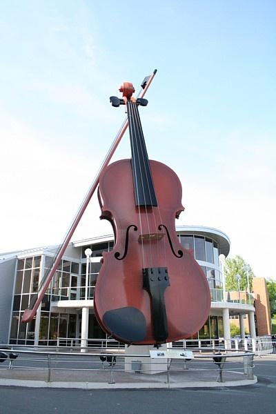 World's largest fiddle. Sydney NS