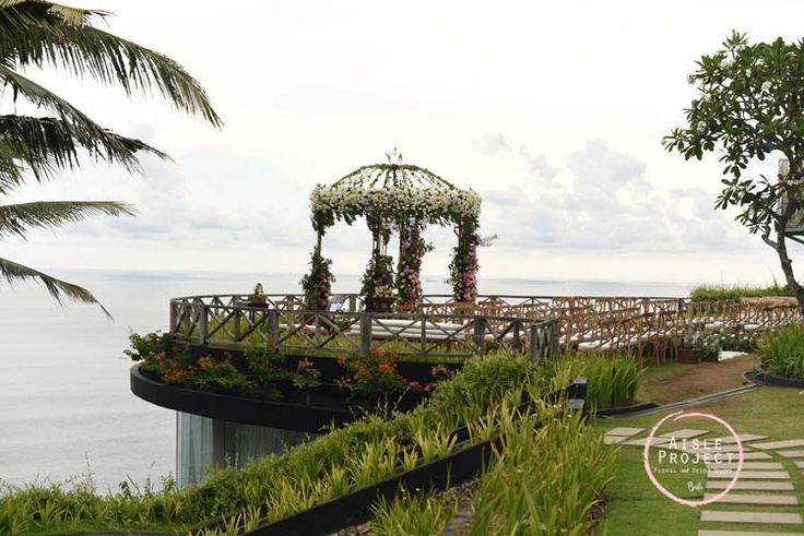 Bali Wedding Ceremony with Indian Ocean Backdrop, Lush Wedding, Magical Bali Wedding, Luxury Bali Wedding, Khayangan Estate, Aisle Project Bali