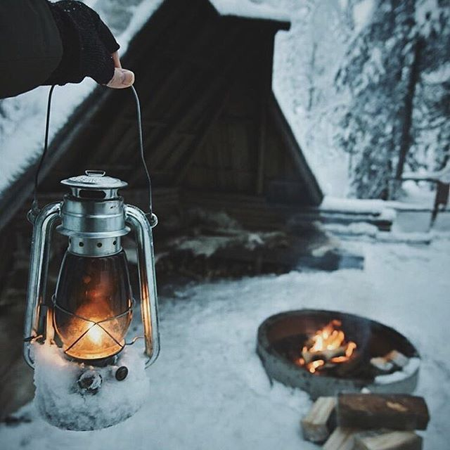 🏔 {Monday February 6th, 2017} This is such a beautiful picture..❄🌲☃️ Wishing you all a great start to the week! QOTD: Have you ever gone camping? AOTD: Yes, but it was a really long time ago🏕 #F4F #L4L #followback