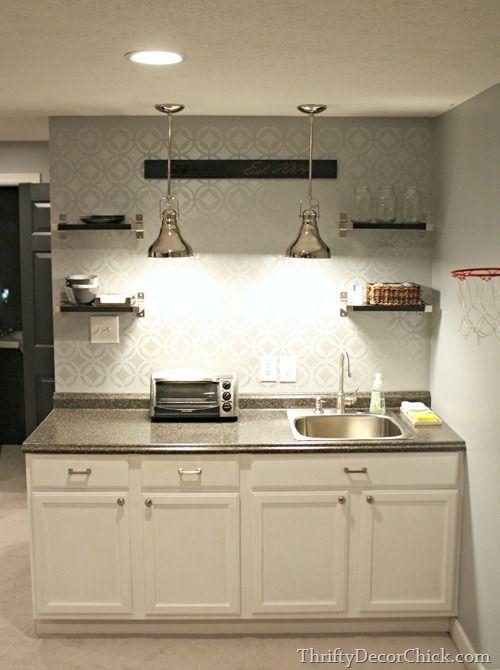A simple yet efficient DIY basement kitchenette.