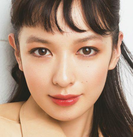 アラサーのための春のイガリメイク 鬼木朋子 BEAUTY NEWS VOCE(ヴォーチェ) 美容雑誌『VOCE』公式サイト